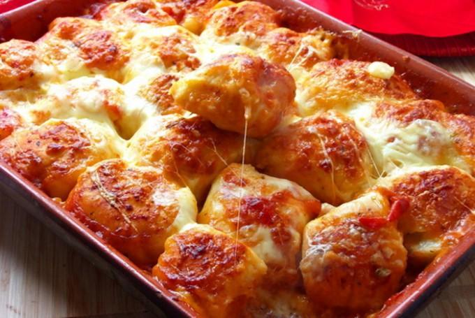 Pizza kuličky v rajčatové omáčce