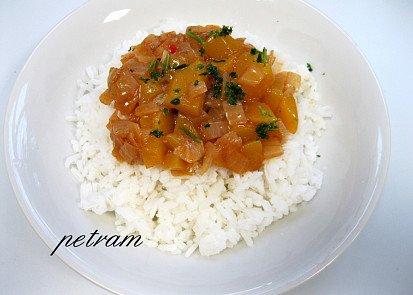 Mango ve sladko-kyselé omáčce s rýží